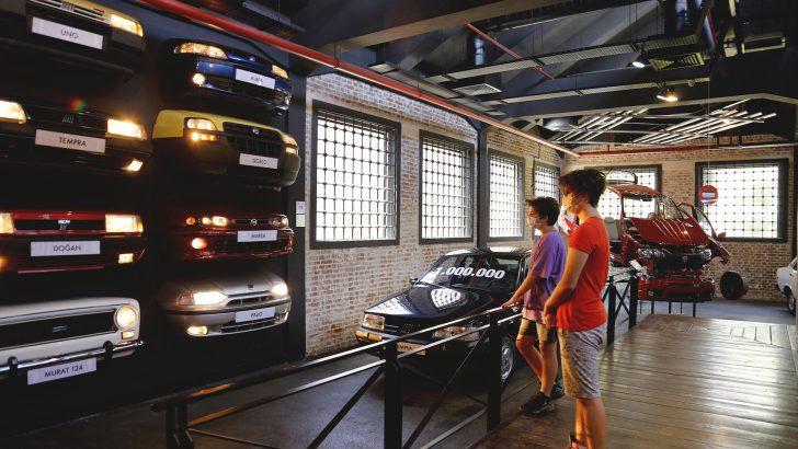 Tofaş Bursa müzesi kapılarını otomobil severlere açtı