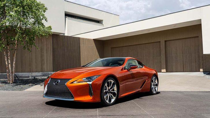 Lexus LC yeni rengiyle daha da büyüleyici
