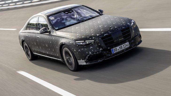 Arka yolcu koltuğu hava yastığı sunan ilk model Mercedes S Serisi