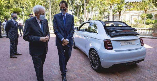 Tamamen yeni Fiat 500 İtalya'nın zirvesinde