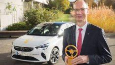 """Yeni Opel Corsa'ya """"2020 Altın Direksiyon"""" ödülü"""