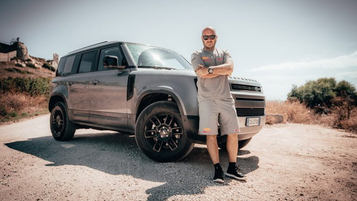 Pirelli'den Land Rover Defender'a özel lastik