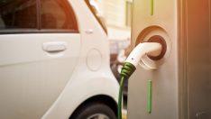 Elektrikli araç alacaklar şarj noktası bulamama konusunda endişe duyuyor