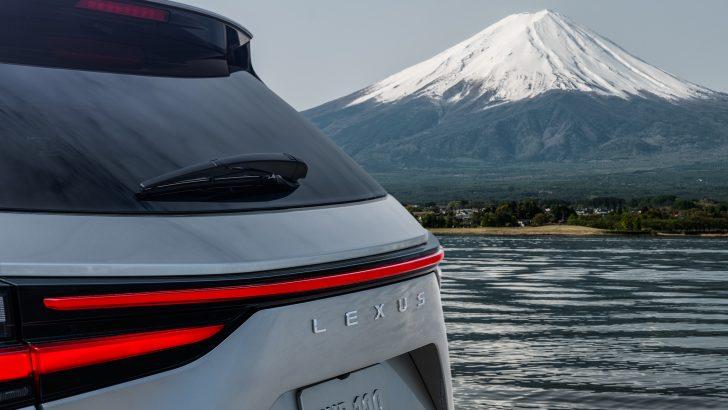 Lexus Yeni Nesil NX SUV'u12 Haziran'da tanıtılacak
