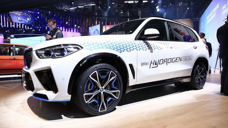 BMW iX5 Hidrojen Münih'te sahne aldı