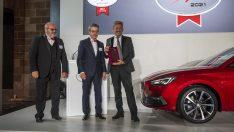 """SEAT Leon AUTOBEST gala töreninde """"2021 Avrupa'da Satın Alınabilecek En İyi Otomobil"""" ödülünü aldı"""
