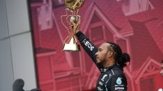 Hamilton 100. zaferini kazandı